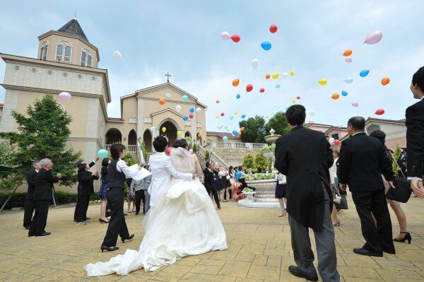 【お2人への想いを込めて・・・】バルーン溢れる結婚式はいかがですか♪