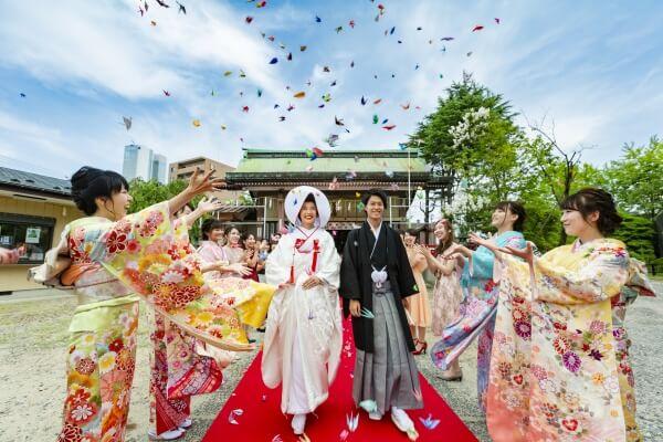 新潟市 結婚式場 ピアザララルーチェ フォトスポット 和装 折鶴シャワー