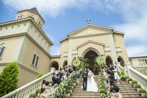 ピアザララルーチェ 結婚式 大階段